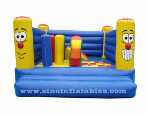 Lovely smile kids mini inflatable jumping castle