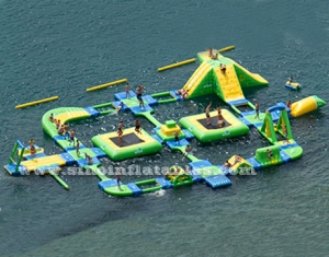 outdoor adults giant inflatable floating water park