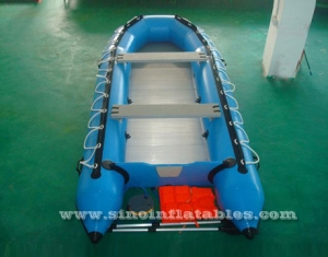 4 persons inflatable motor boat