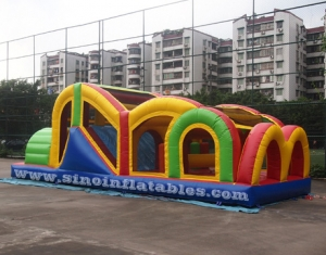 kids outdoor inflatable obstacle tunnel with net roof