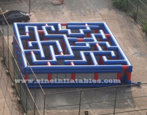 giant outdoor amusing inflatable maze