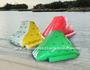 Mini airtight inflatable water iceberg climber