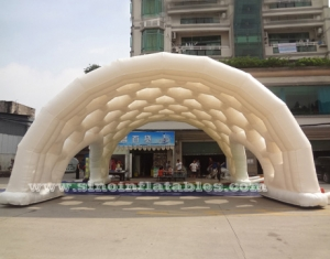 Outdoor white giant inflatable spider tent