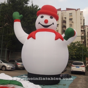 big advertising inflatable snowman